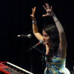 Ximena throws her hands up