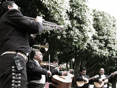 16-mariachis-smaller-2