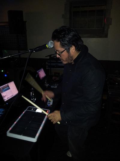 El reconocido DJ Lengua tocando jamming con nosotros gran amigo.
