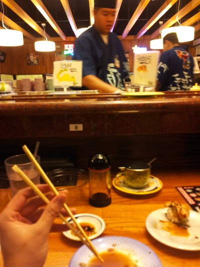 Cierre con broche de oro japonés en nuestro sushi favorito, Gaten, creo que se llama.