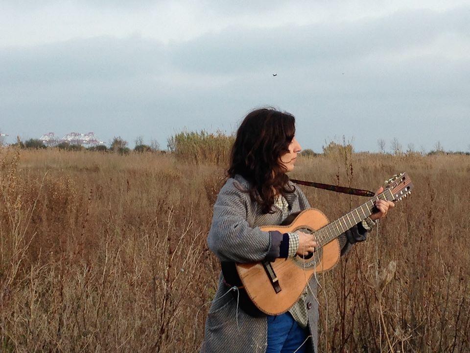 Free Download: Lorena Álvarez y el Coro de Ladinamo's Dinamita EP [ESP]