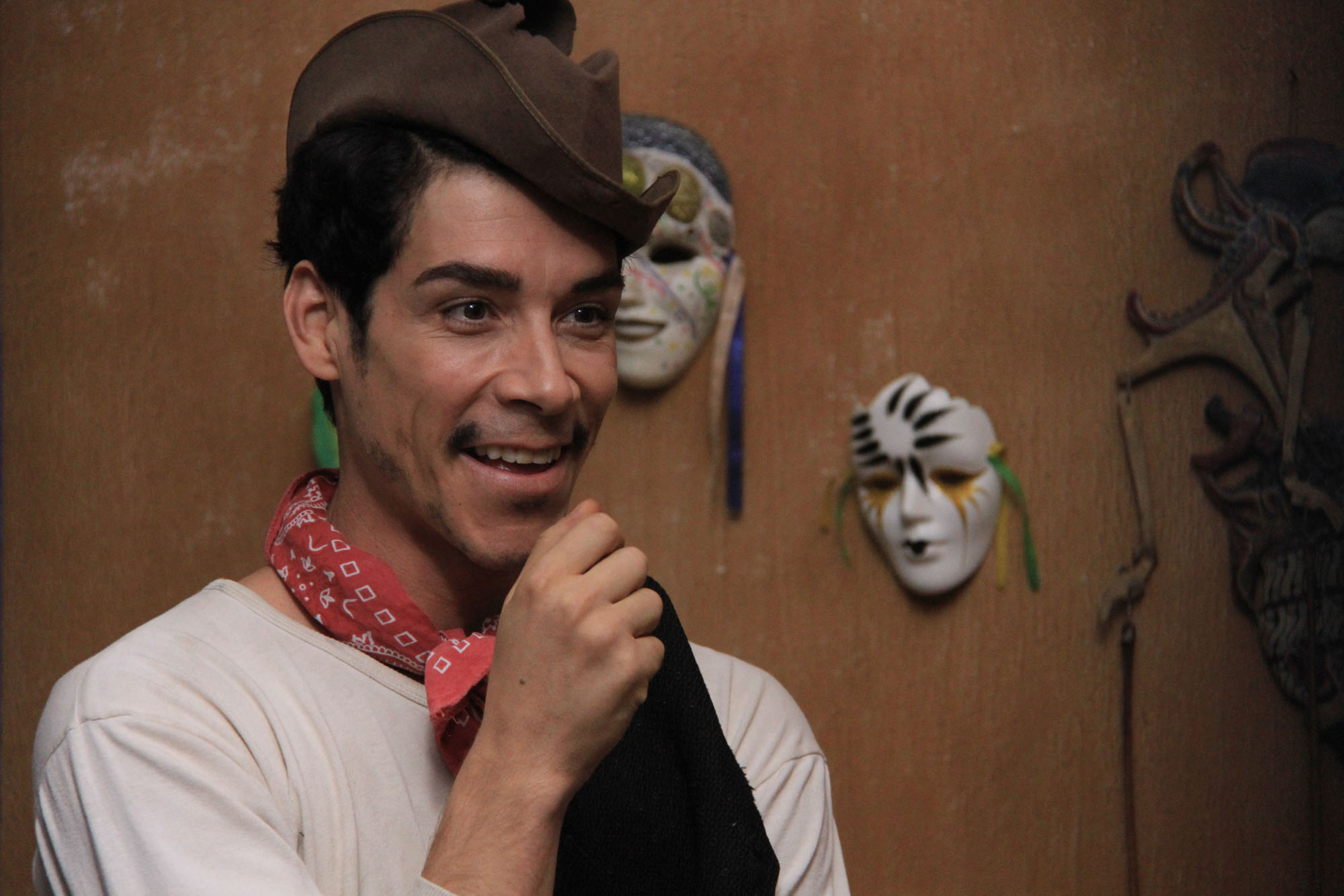 Spanish Actor Oscar Jaenada On the Struggles of Playing Cantinflas, Mexico's Beloved Comedy Legend