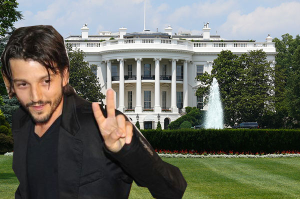 """During White House Visit President Obama Tells Diego Luna, """"I Loved Y Tu Mama Tambien But…"""""""