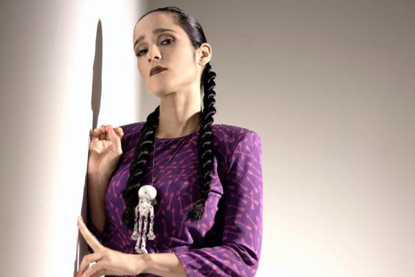 Latin Bands Battle it Out for Julieta Venegas