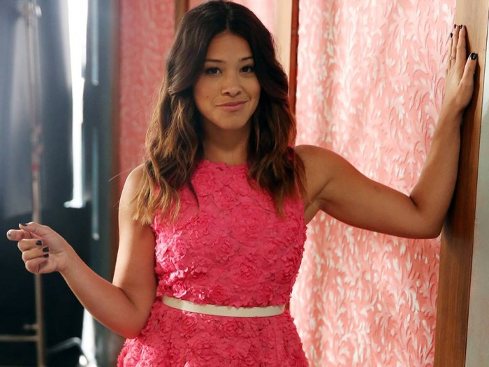 Gina Rodriguez Jane the Virgin pink dress