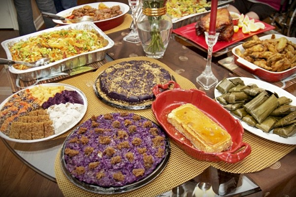 food brings filipino families closer together Internet is the source to put a part in the happiness among the filipino families and householders  definitely it will continue to become happier  pinoy tv - we bring family and friends closer together.