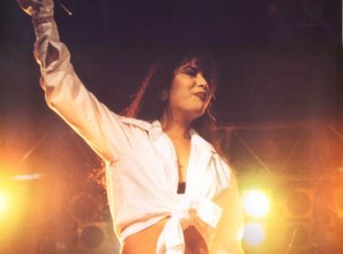 15 Ways to Remember and Honor Selena Quintanilla