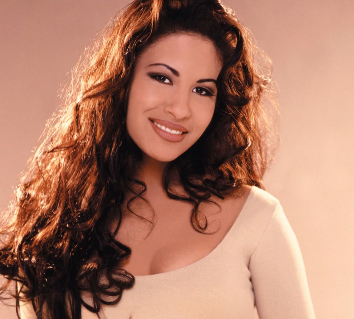 Telemundo Honors 20th Anniversary Of Selena's Death With