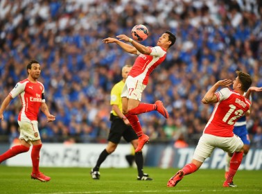 """Chilean """"Street Fighter"""" Alexis Sanchez Shines as Arsenal's Star"""