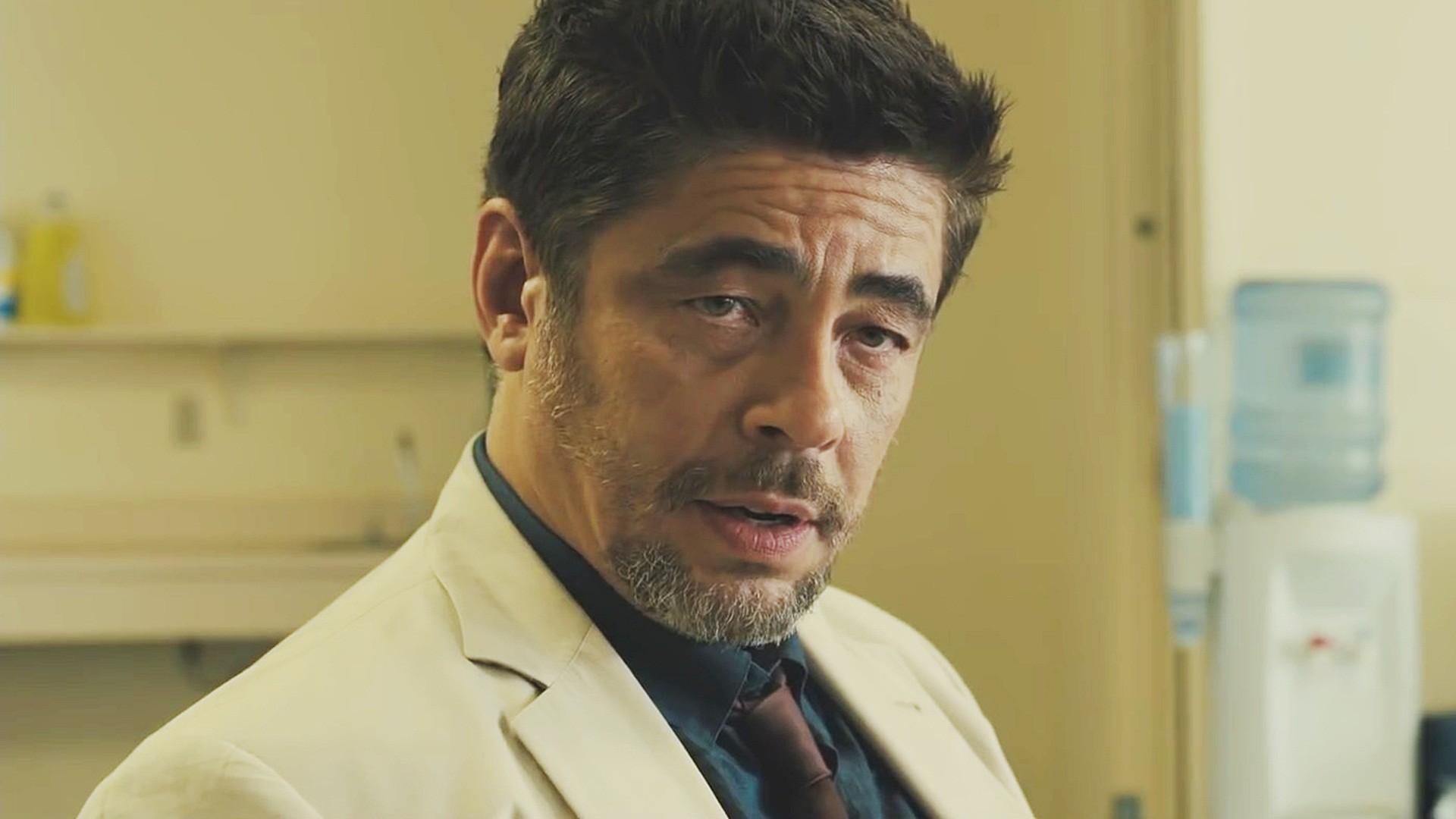 Benicio del Toro Will Star in New Oliver Stone Drama 'White Lies'