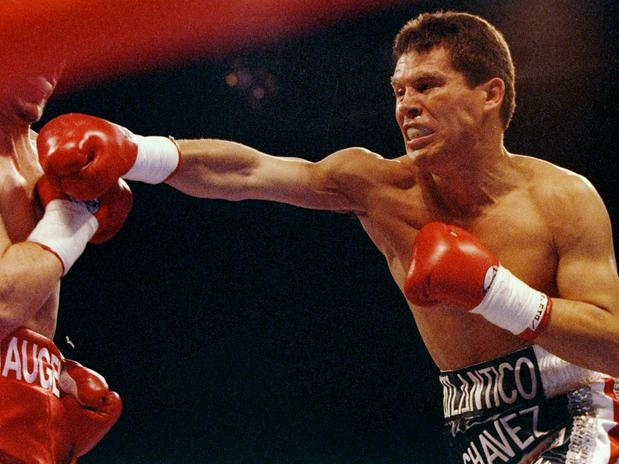 7 Latino Boxers Who Already Topped Mayweather's Record