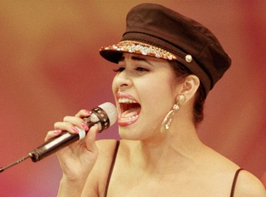 7 People Love Selena So Much They Learned to Sing in Spanish