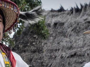 Huicholes crop -KATIRA-y-ENRIQUE