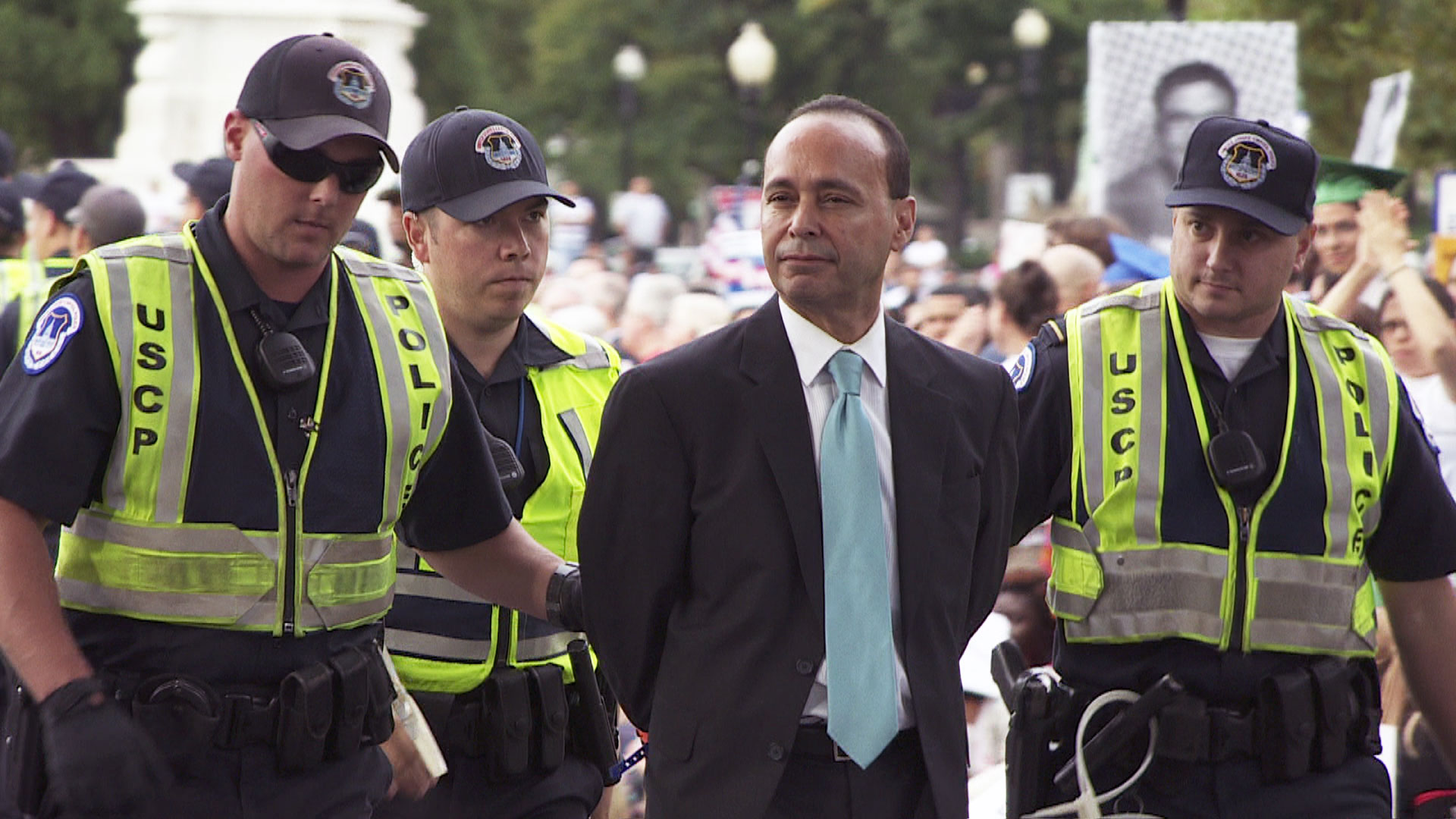 Deportation Constant Fear For >> Rep. Luis Gutierrez Gets Arrested in This Documentary
