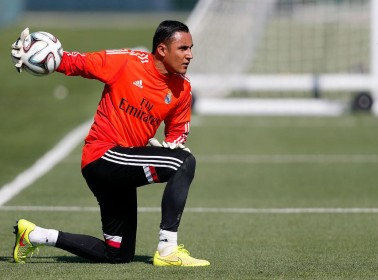 Keylor Navas Races to Bring His Force Field to the Pitch for El Clásico