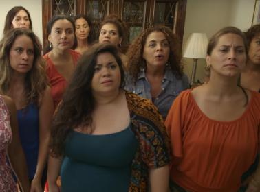 12 Perfect Comebacks For Your Tías Criticonas This Thanksgiving