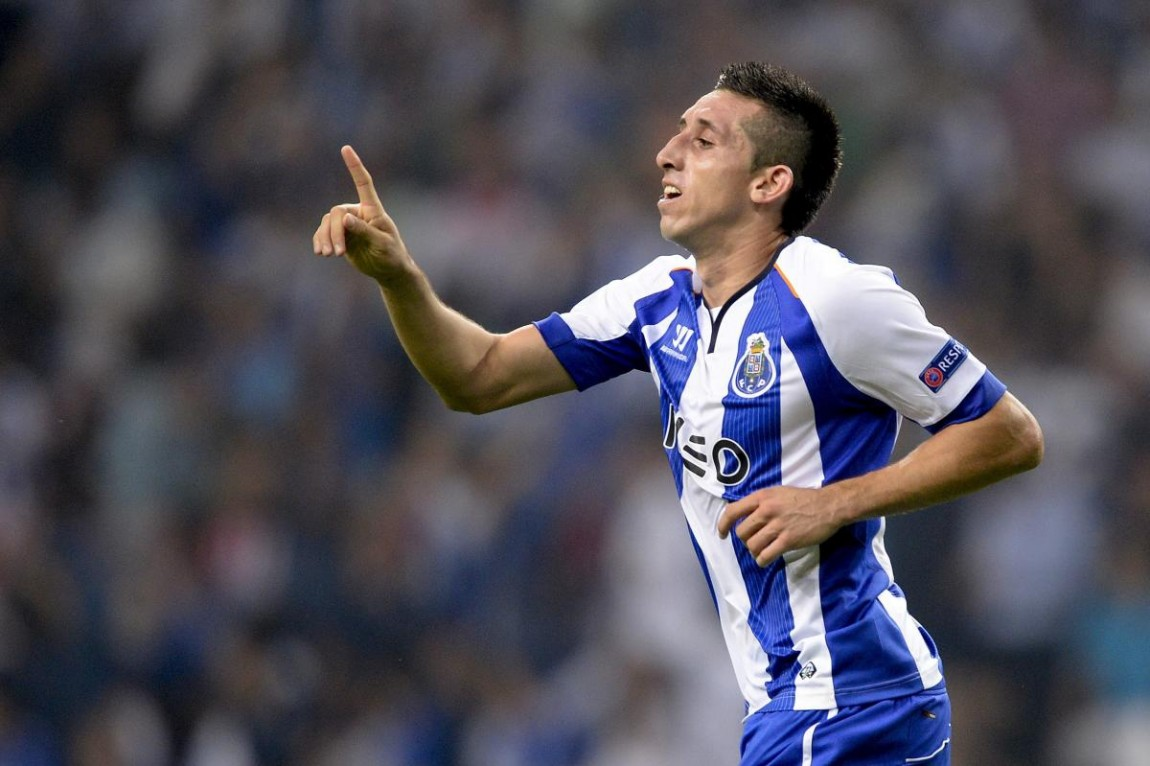 Hector Herrera Wins Porto s Player of the Year Award