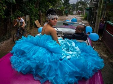 PHOTOS: In Cuba, the Quinceañera Business is Booming