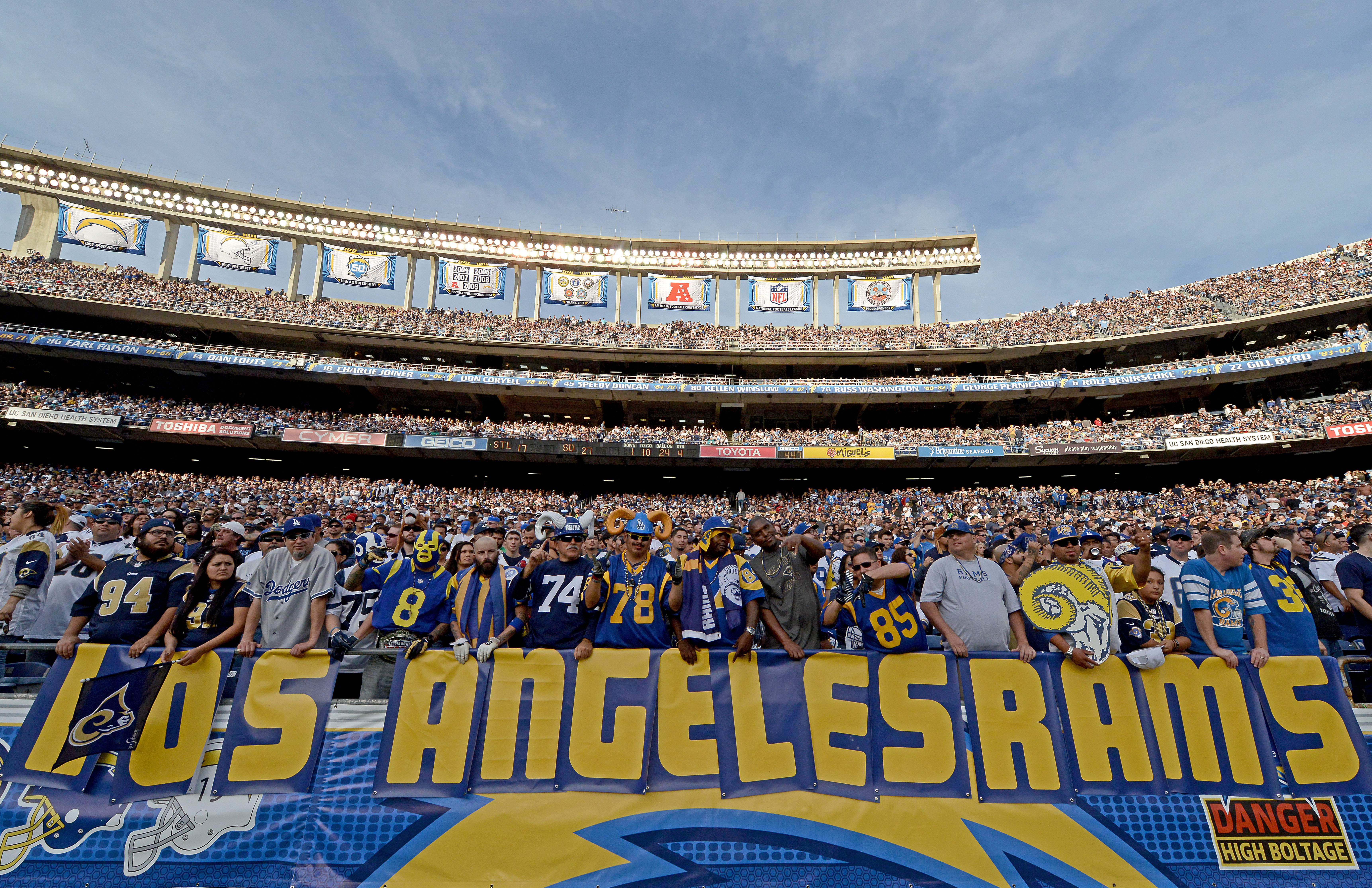 Twitter Went Nuts After Raiders Lose Stadium and Rams Move to LA