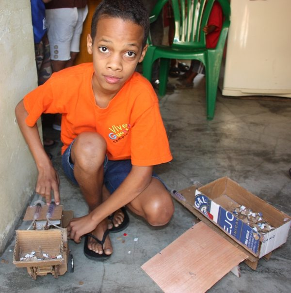 Genius 12 Year Old Dominican Boy Makes Robotic Toys Out Of