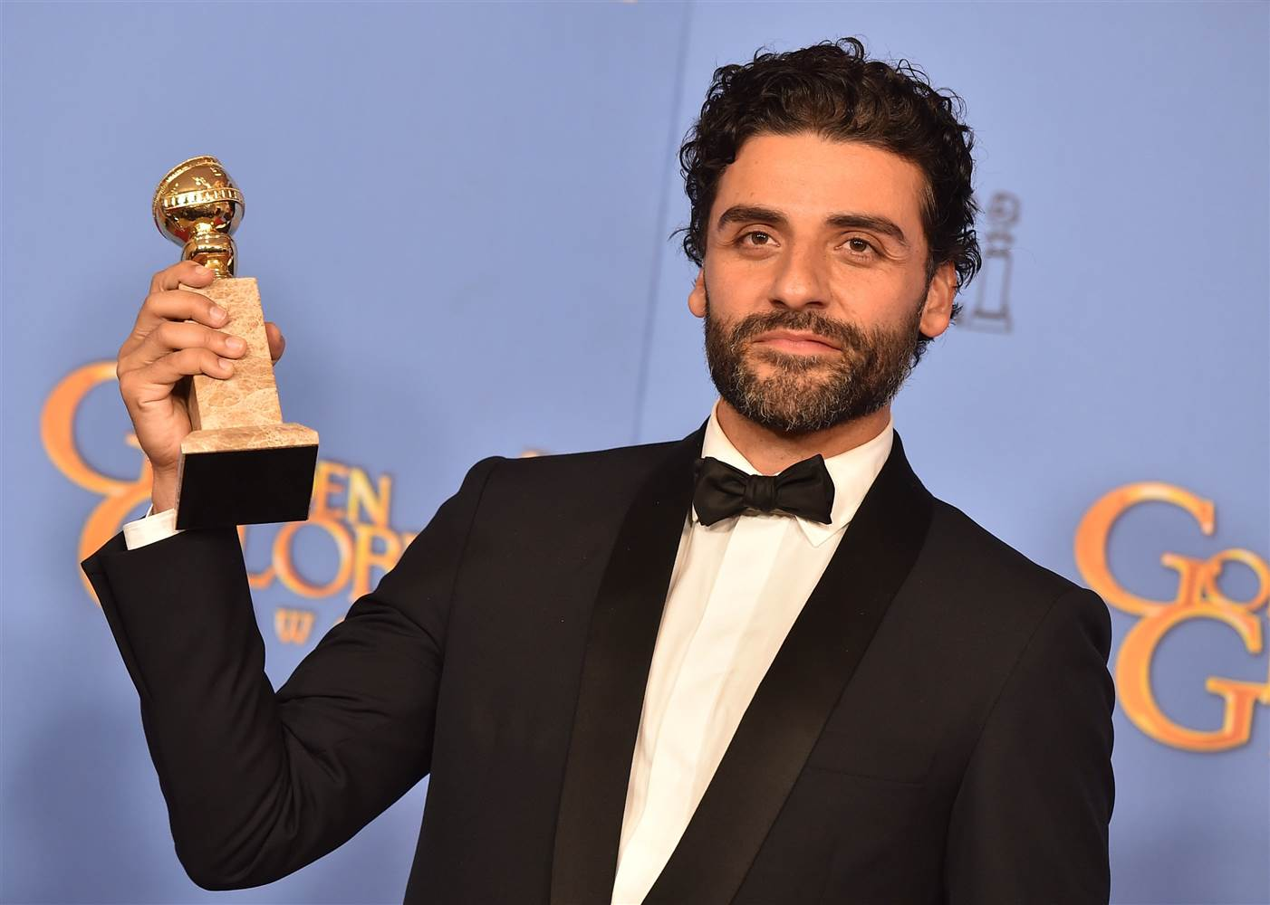 Here's Everything Oscar Isaac Did at the 2016 Golden Globes, Because #Thirst