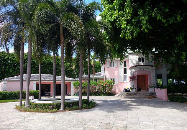 Pablo Escobaru0027s Pink Miami Beach Mansion Has Been Demolished