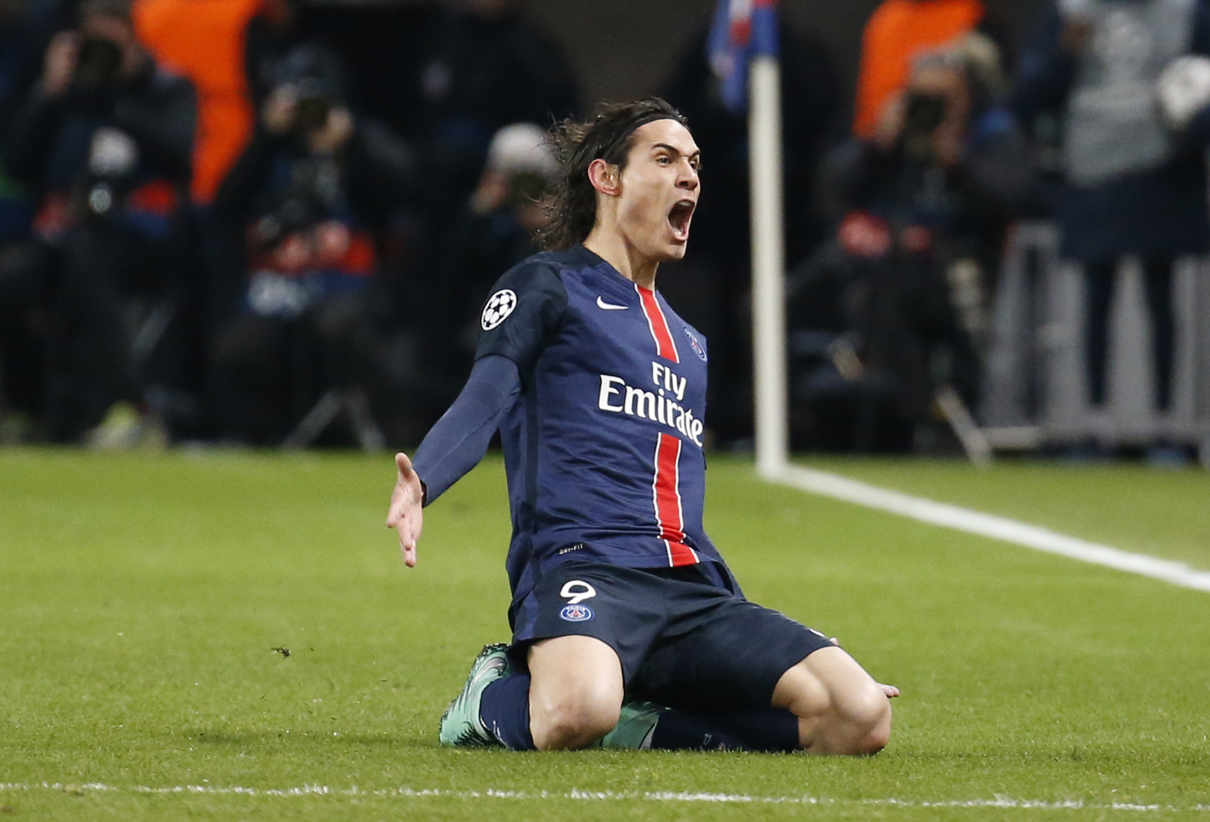 Edinson Cavani's Simmering Resentment for PSG Might Lead Him to Manchester or Madrid