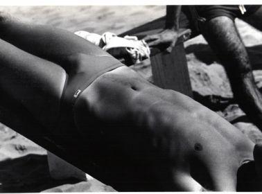 Alair Gomes, Beach Rio horizontal, circa 1970-80. Gelatin silver print. 7 1/2 x 9 1/2 in. (19.05 x 24.13 cm)
