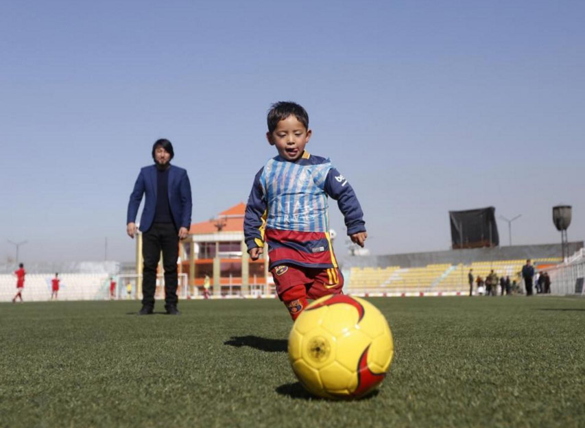 The Young Afghan Boy Who Made a Messi Jersey Out of a Plastic Bag Finally Met His Hero
