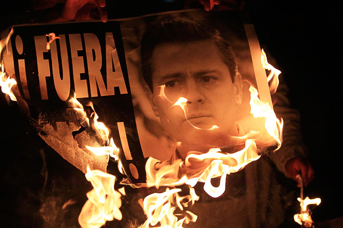 EPN Visits Iguala for the First Time Since 2014 Kidnappings, But Doesn't Meet With the Parents of the Missing 43