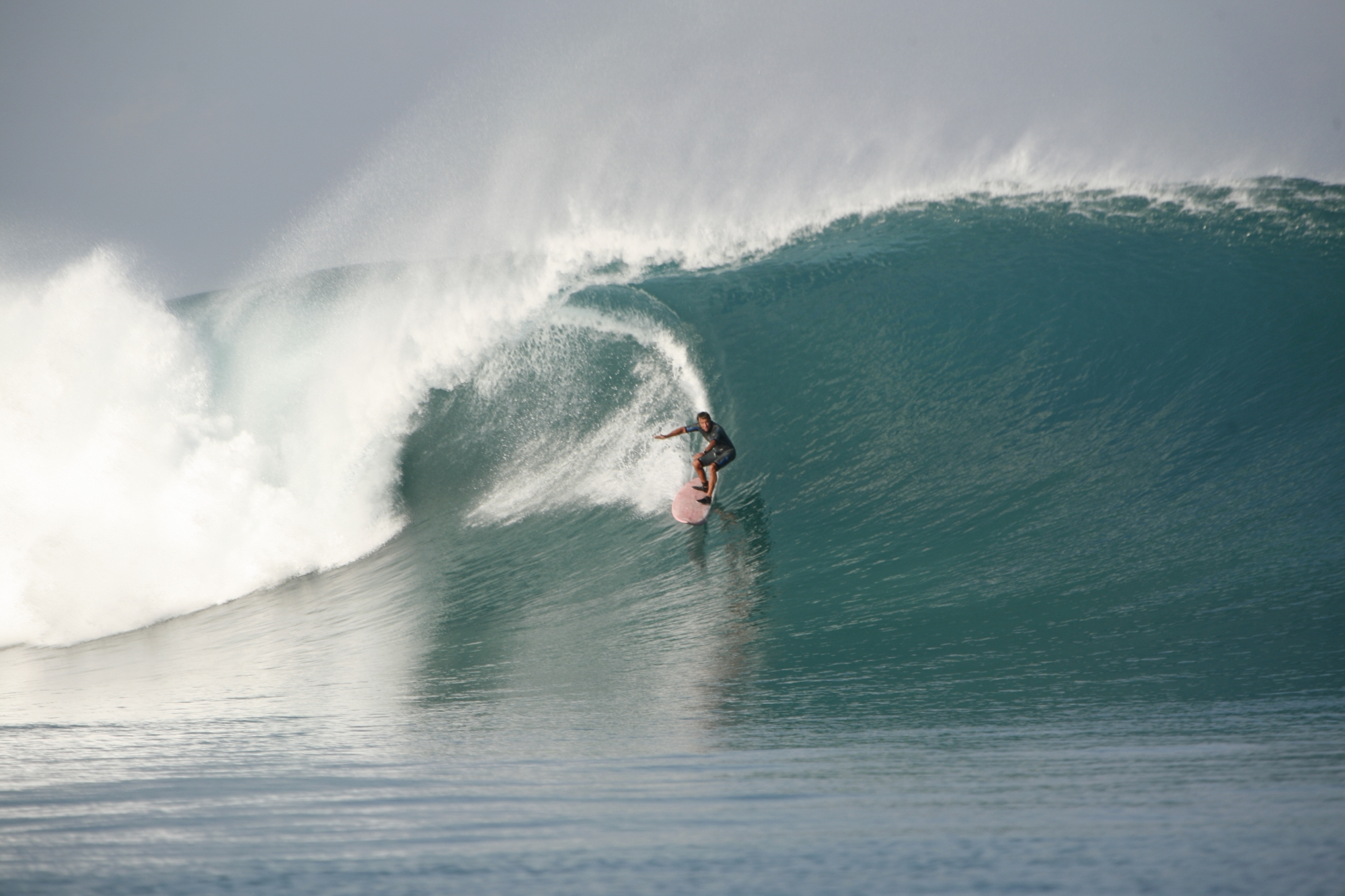 72 Year-Old Peruvian Surf Legend Felipe Pomar is Still Kicking Ass on the Water