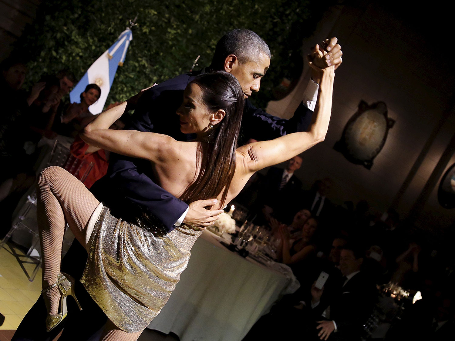 7 Hilarious Thoughts Obama Probably Had While Dancing the Tango in Argentina