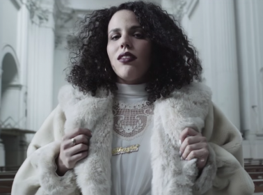"Xenia Rubinos Frolics Across Naples With IDGAF Attitude in the ""Lonely Lover"" Video"