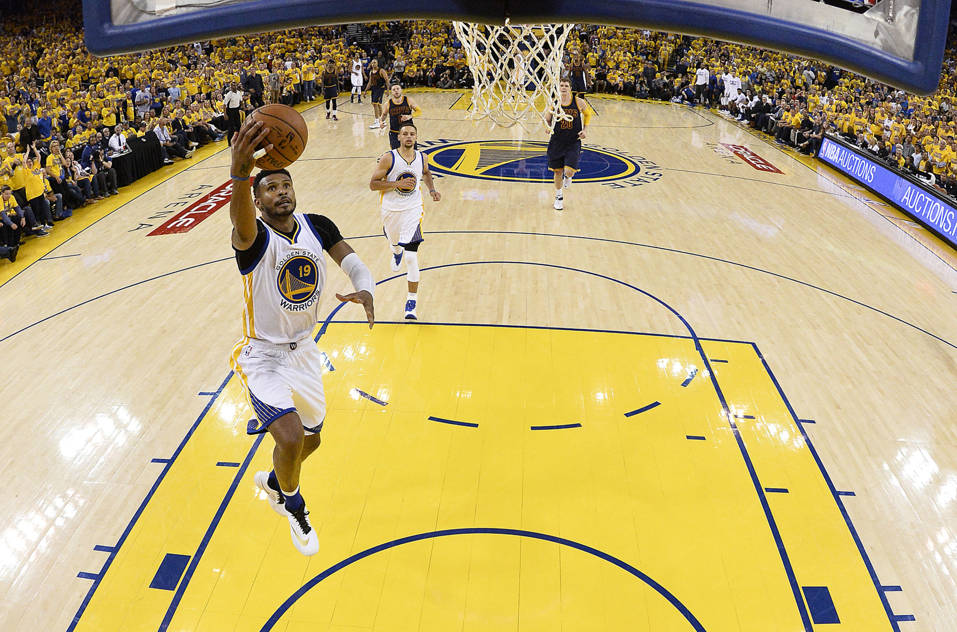Leandro Barbosa Takes Advantage of Extra Time in NBA Finals