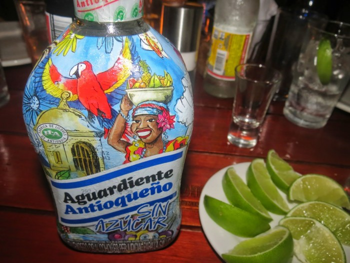 aguardiente_colombia_2_food