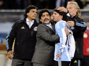 Maradona Thinks Messi is Basic, Gets Caught Talking Shit With His Mic Still On