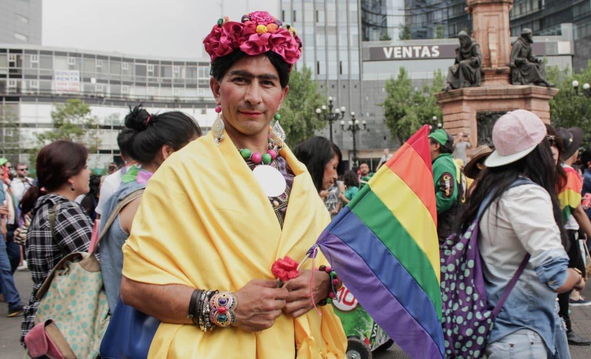 Mexican gay Nude Photos 28