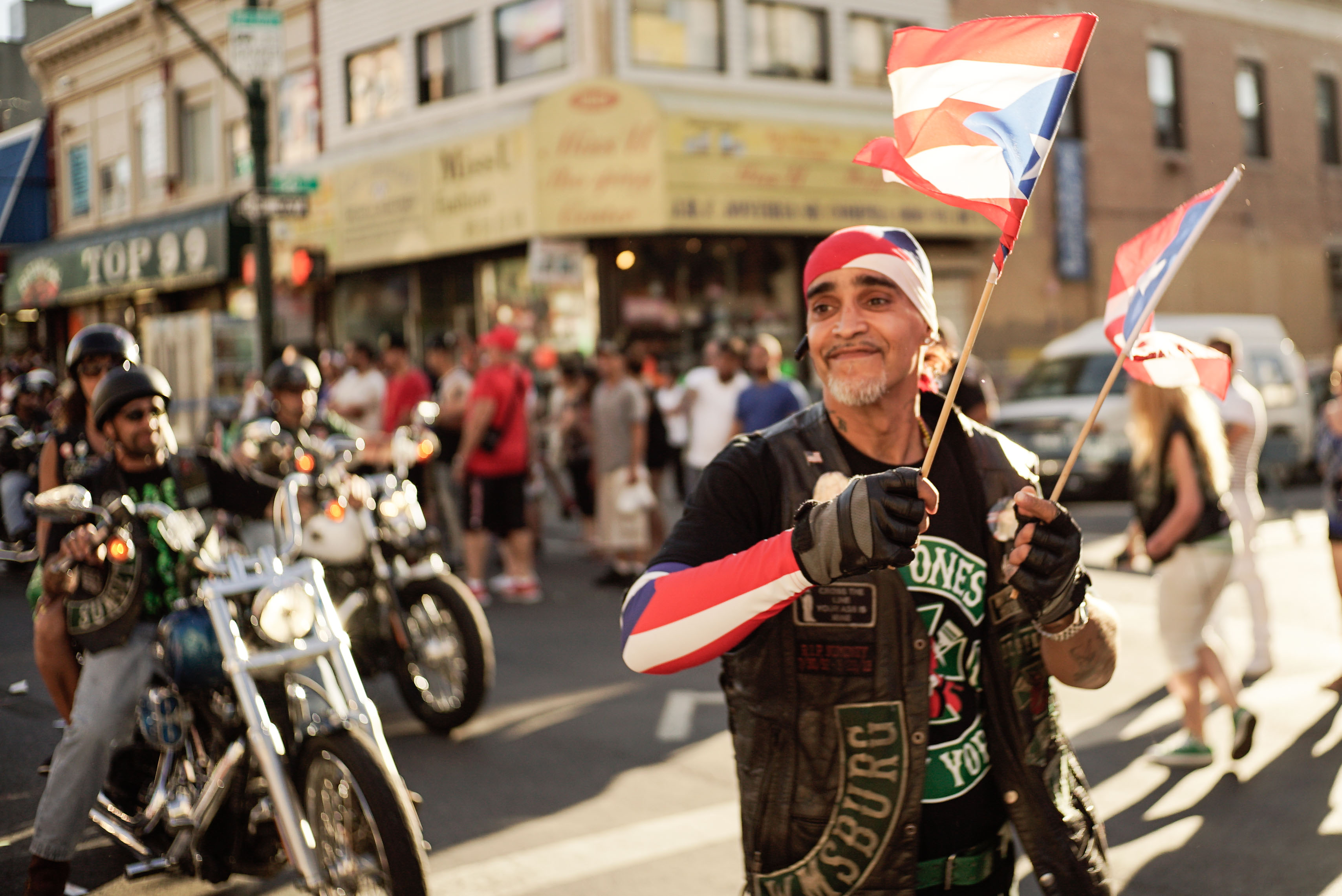 History of new york 39 s national puerto rican day parade for New york culture facts