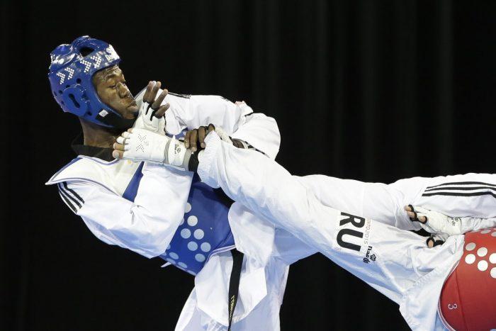 luisito_pie_fight_dr_haiti_sports