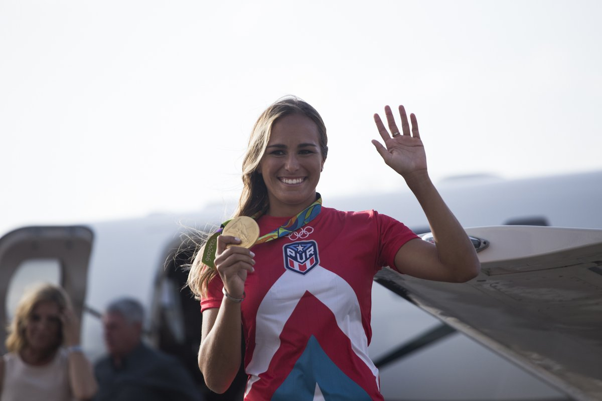 Puerto Rico Lost Its Collective Mind When Gold-Medalist Mónica Puig Touched Down in San Juan