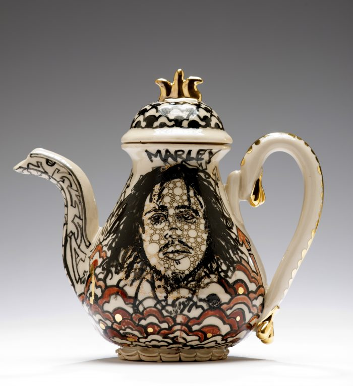 Roberto_Lugo_pottery_art