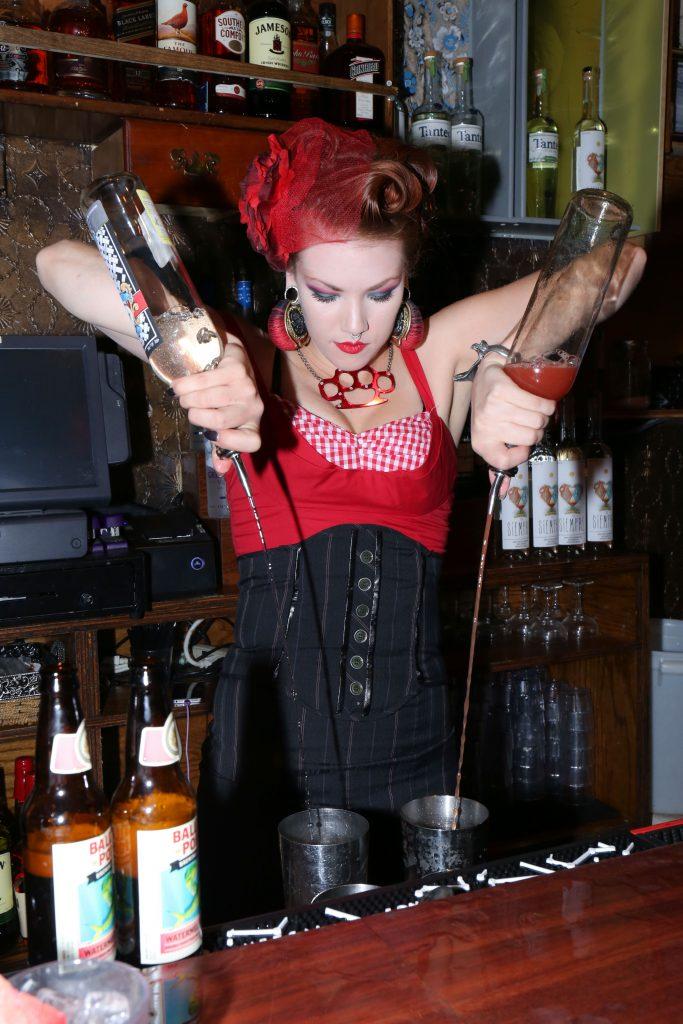 bartender_legion_mezcal_itzel-13
