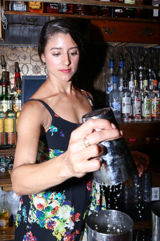 bartender_legion_mezcal_itzel-16