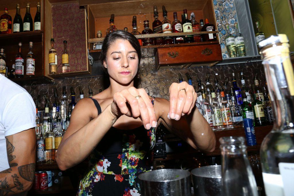 bartender_legion_mezcal_itzel-17
