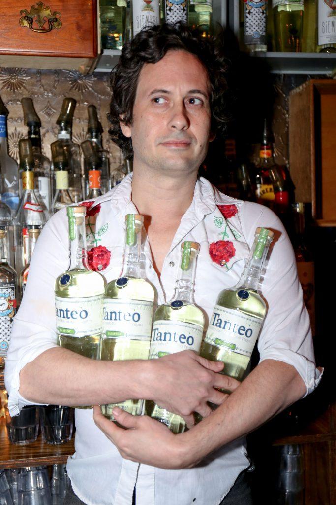 bartender_legion_mezcal_itzel-3