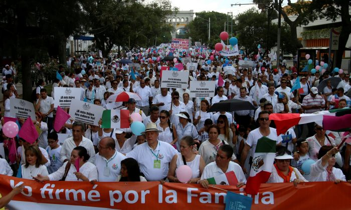 Thousands of Catholics and conservatives marched in September against the legalization of same-sex marriage in Guadalajara City. Photo: Reuterus
