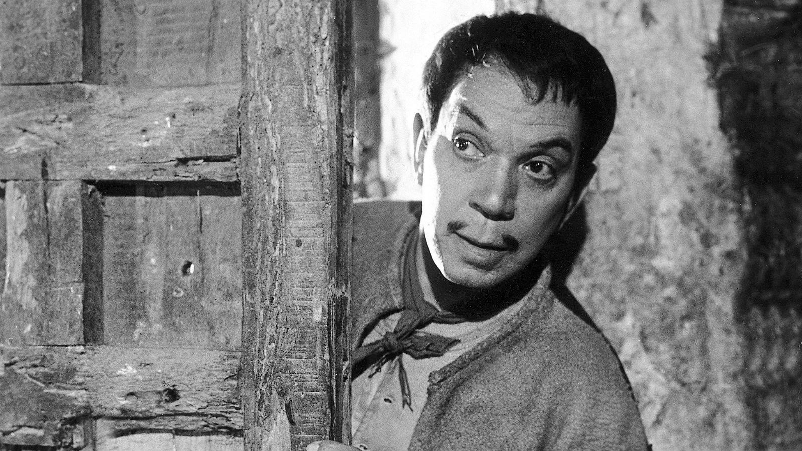 Here's How You Can Binge-Watch More Than 30 Cantinflas Movies on Thanksgiving Weekend