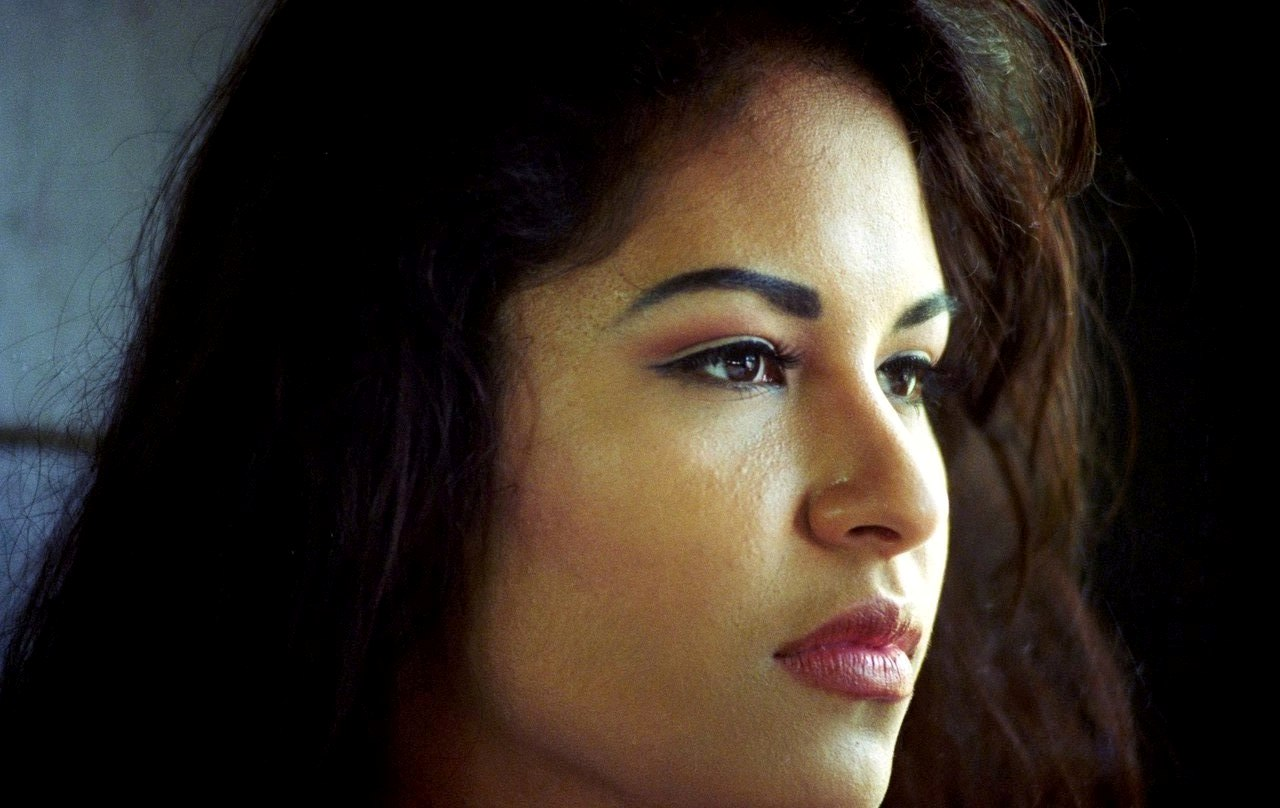 A Selena TV Series in Both English and Spanish Is Coming Soon