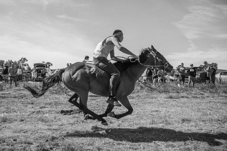 This Mexica Photographer's Striking Photos Capture Standing Rock's Emotional Setbacks & Victories