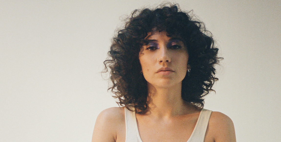 """Tei Shi Announces Debut Album With a Jewel-Toned Video for """"Keep Running"""""""